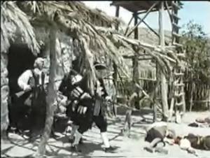 Fotograma de la pelicula que muestra el fuerte sobre el lugar en que después se construyo el Manaca.