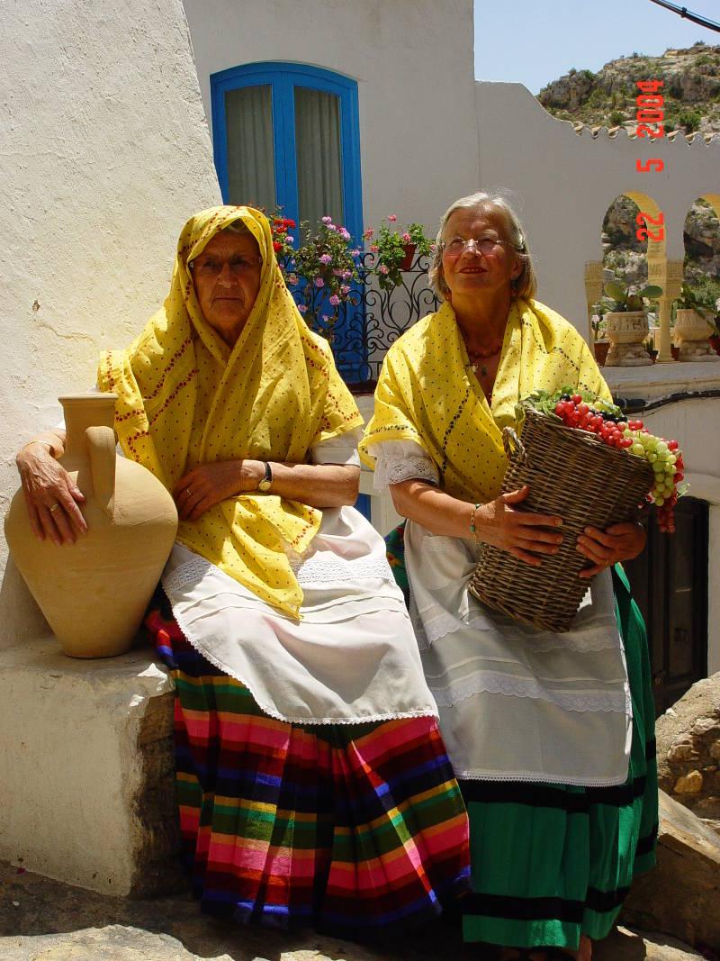 El vestido de mojaquera guia del levante for Oficina turismo mojacar
